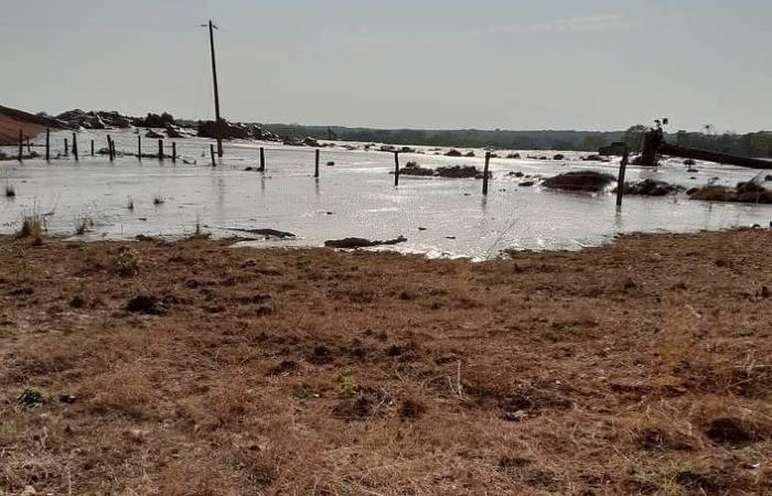 A barragem que rompeu guardava restos de mineração, proveniente de lavra de ouro, com 15 metros de altura, tinha volume armazenado de 582.171,51 metros cúbicos - Foto: Divulgação.