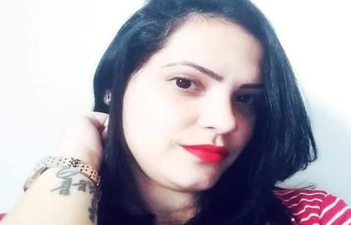 Camila da Silva Mendes, 30, foi assassinada a facadas na última quarta-feira (2) - Foto: Reprodução/Redes sociais.