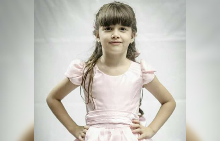 Beatriz tinha 7 anos quando foi morta dentro de um colégio de Petrolina. Foto: Reprodução/Facebook.