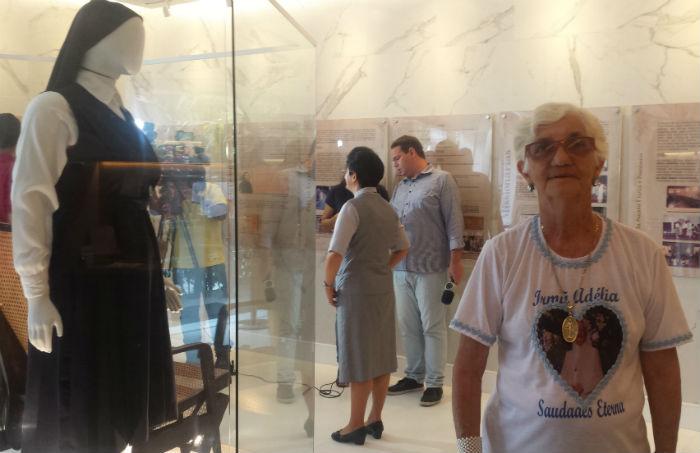 Graça Teixeira, irmã da Irmã Adélia, esteve no Memorial. Foto: Patrícia Monteiro/Esp.DP.