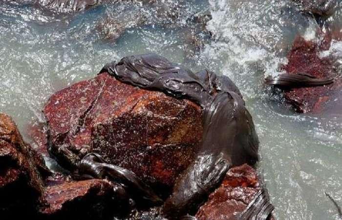 Decreto estadual de emergência prevê a liberação de recursos para municípios no litoral do estado, estimadas em 21 km². Foto:  Divulgação / AFP