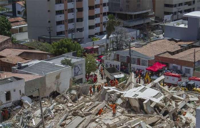 """Segundo ele, a perícia irá identificar o responsável pela tragédia. """"É preciso aguardar porque ela irá apontar uma série de causas."""" - foto: Rodrigo Patrocinio / AFP."""