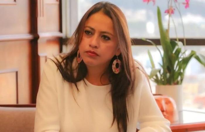 Segundo a promotoria, como governadora de Pichincha, incentivou a ocupação da cidade e será investigada por rebelião - Foto: Divulgação.