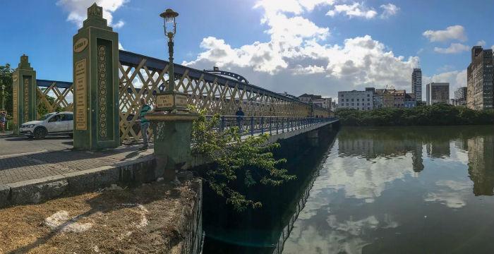 Em 1640, Maurício de Nassau mandou construir uma ponte por onde os moradores pudessem atravessar o Rio Capibaribe. Foto: Leandro de Santana/Esp.DP.