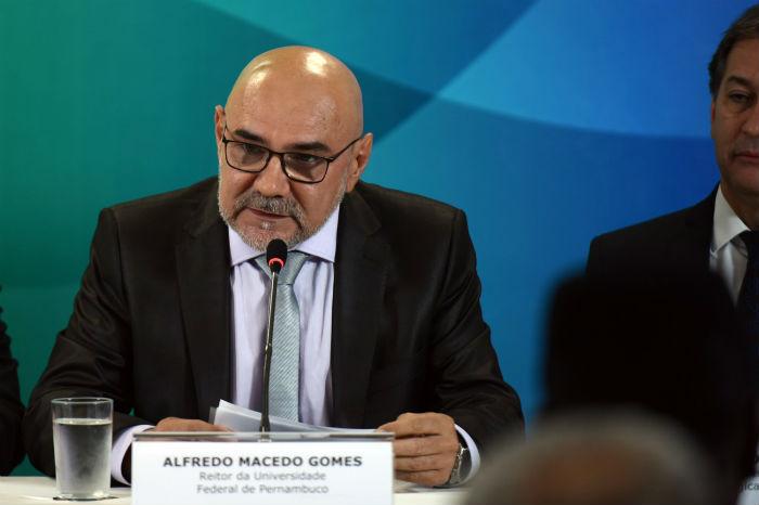 Alfredo Gomes em cerimônia de posse em Brasília. Foto: MEC/Divulgação.