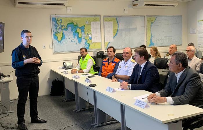 """""""Às vezes o material detectado é apenas lixo"""", diz o comandante Alvaristo Nagem Dair Júnior, coordenador do Grupo de Acompanhamento e Avaliação da Marinha (Foto: Divulgação/Ascom MDR)"""