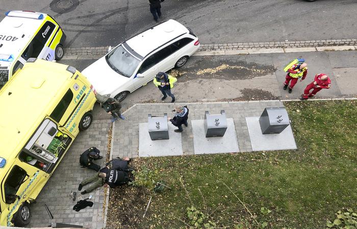 O suspeito foi baleado e está sob custódia da polícia.  (Foto: Cathrine Hellesoy/AFP)