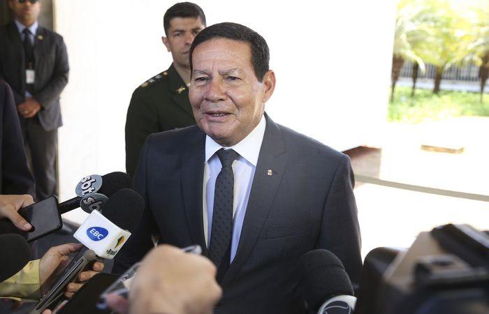 """""""Uma vez que seja viável, vou conversar com o presidente Bolsonaro e, se for o caso, tomar a decisão"""", disse o general (Foto: Antonio Cruz/Agência Brasil.)"""