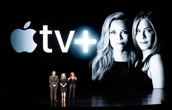 Atriz volta à TV, em novo serviço da Apple, com série sobre um noticiário matutino de Nova York que mistura o tom sóbrio das notícias com clima de assédio sexual e cobiça por trás das câmeras. (Foto: NOAH BERGER/AFP)