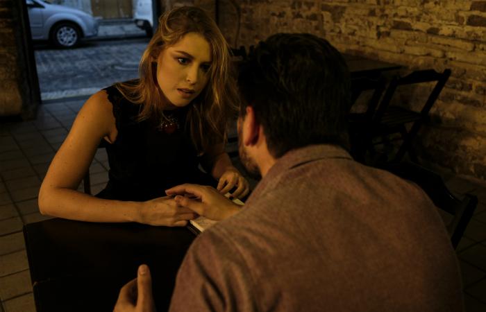 Rhaisa Batista em cena com Daniel Rocha. (Foto: Divulgação)