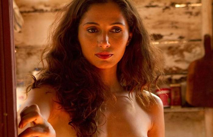 """Três imagens da atriz, retiradas do filme """"Eu Receberia as Piores Notícias de Seus Lindos Lábios"""" (2011), foram publicadas sem sua autorização (Divulgação )"""