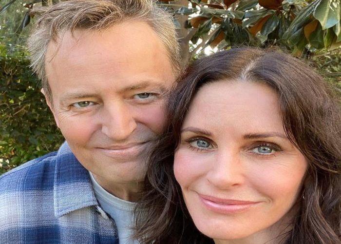 Os atores deram vida a Chandler e a Monica Geller em Friends. (Foto: Reprodução/Instagram)