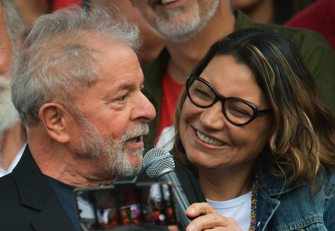 O romance entre os dois foi revelado em maio deste ano pelo ex-ministro Luiz Carlos Bresser Pereira (Foto: Carl de Souza / AFP)