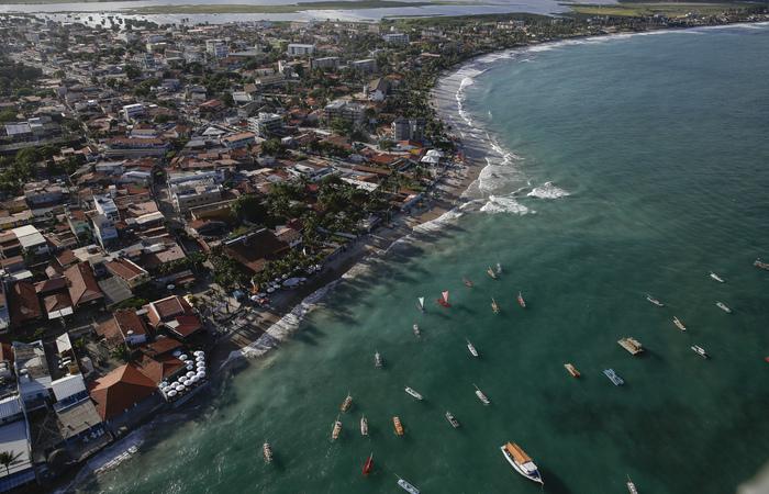Imagem aérea da praia de Porto de Galinhas, no Litoral Sul de Pernambuco.  (Foto: Paulo Paiva/DP)