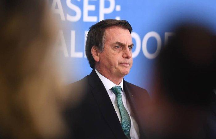 O governo recuou e retirou do projeto o trecho que daria os mesmos benefícios para a contratação de pessoas acima de 55 anos. (Foto: Evaristo Sá/AFP)