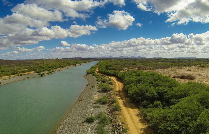 Além de viabilizar o fornecimento de água, a execução das obras gera emprego na região (Foto: Divulgação/Ministério da Integração Nacional)