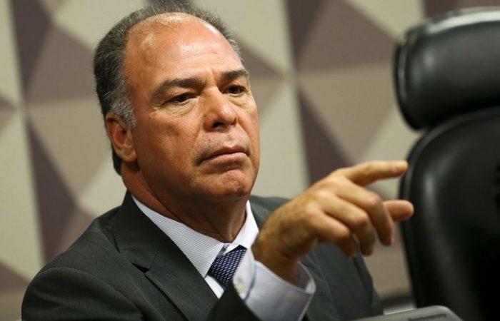 Fernando Bezerra Coelho, líder do governo no Senado, afirmou que o Congresso poderá substituir a cobrança de 7,5% sobre o seguro-desemprego por outra fonte de financiamento. (Foto: Marcelo Camargo/Agência Brasil)