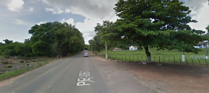 Acidente aconteceu nas proximidades do Engenho Tinoco.  (Foto: Google Street View/Reprodução.)