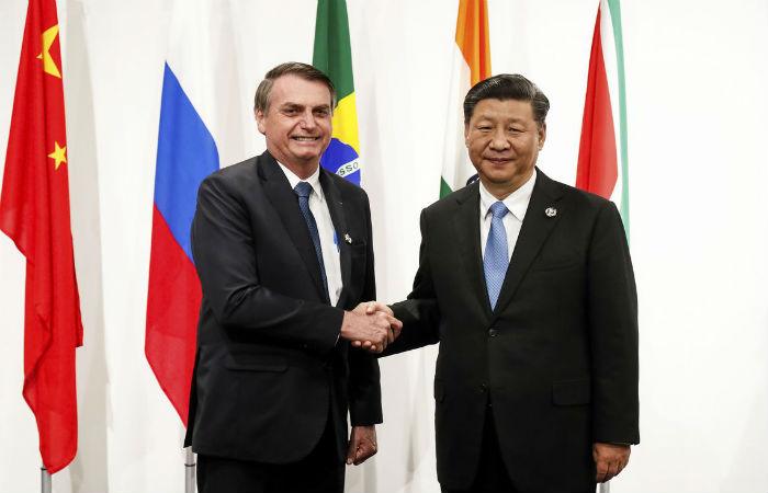 Pequim também sinalizou com uma expansão do crédito por meio de seus bancos no Brasil (o presidente Jair Bolsonaro e o presidente da China, Xi Jinping. Foto: Alan Santos/PR)