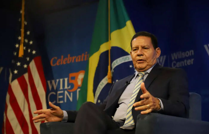 Ao %u2018Estado%u2019, Mourão nega ter ficado chateado ao saber que Bolsonaro teria dito que preferia outro candidato a vice. (Foto: Romério Cunha/Vice-Presidência da República)