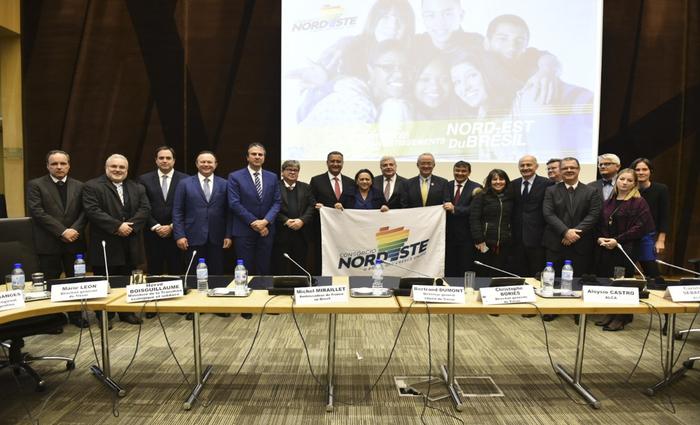 Governadores nordestinos fizeram a apresentação para 40 empresários franceses. (Foto: Elisa Elsie/Divulgação.)