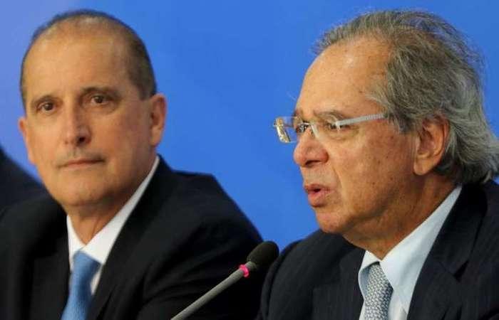 Onyx Lorenzoni e Paulo Guedes, no Planalto: previsão de resultado negativo em 2020 continua em R$ 124,1 bilhões  (Wilson Dias/Agência Brasil)