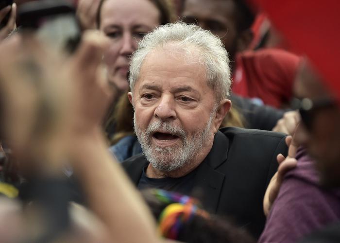 A defesa de Lula diz que teve de se manifestar nas alegações finais, última ação antes da sentença, ao mesmo tempo que os delatores do petista. (Foto: Carl de Souza/AFP)