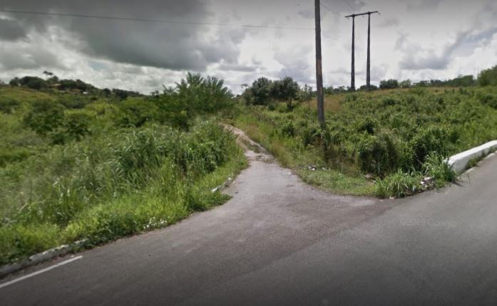 O crime ocorreu na Estrada Vale do Amanhecer, no bairro de Tiuma. (Foto: Reprodução/Google Street View.)