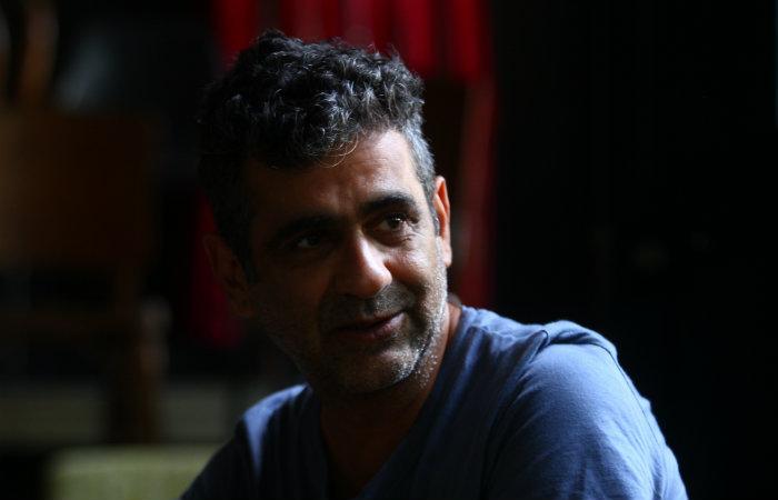 O diretor está produzindo sua terceira série para o Canal Brasil. (Foto: Peu Ricardo/DP FOTO)
