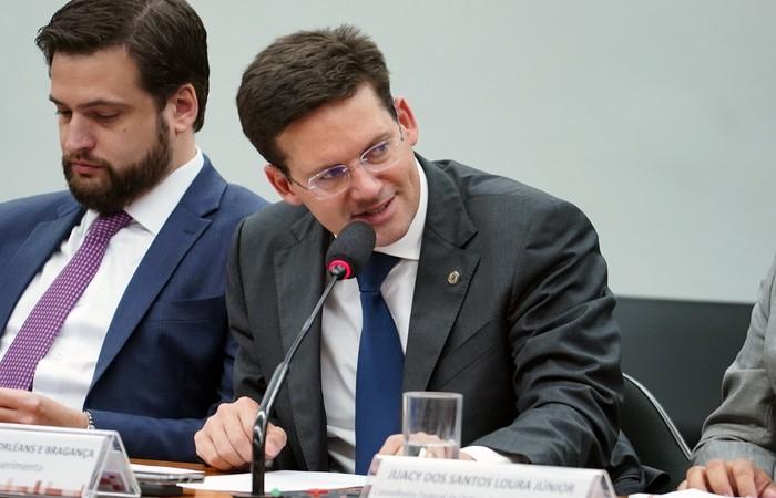 A proposta foi aprovada com alteração feita pelo relator, deputado João Roma (Republicanos-BA). (Foto: Pablo Valadares/Câmara dos Deputados)