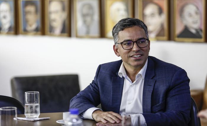 Gustavo Araújo afirma que a nova unidade será voltada para cirurgias de média e alta complexidade. (Foto: Paulo Paiva/DP Foto)