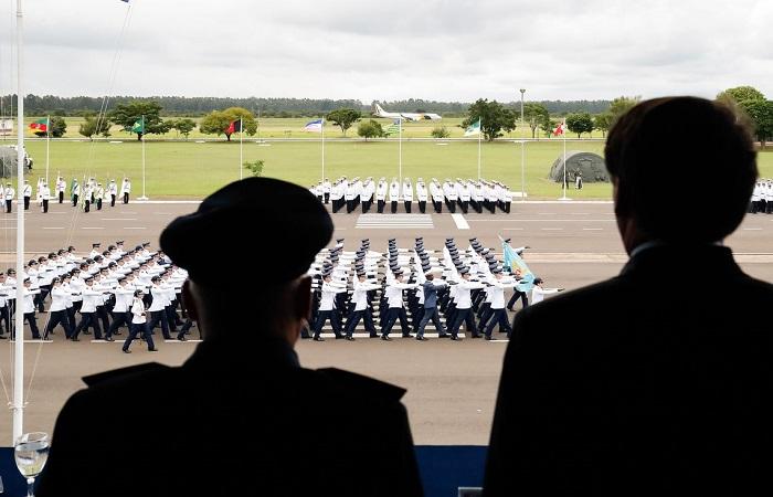 Bolsonaro participou da cerimônia de formatura de guardas-marinhas. Foto: Alan Santos/PR
