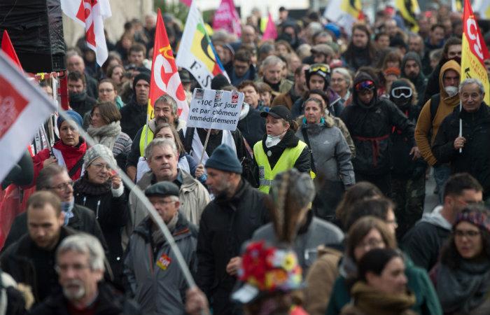 Na última quinta-feira, no início dos protestos, as manifestações reuniram cerca de 800.000 pessoas em todo o país. (Foto: LOIC VENANCE / AFP)