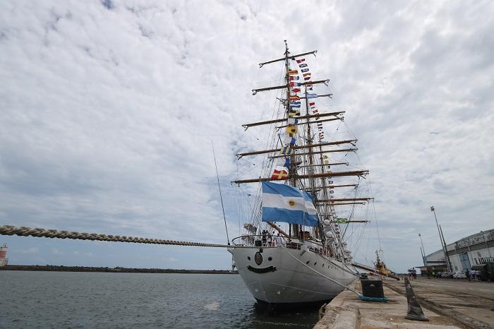 O barco estará aberto à visitação dos pernambucanos e turistas na quinta-feira (2) e na sexta-feira (3), entre as 14h e as 17h. (Foto: Tarciso Augusto / Esp. DP Foto.)