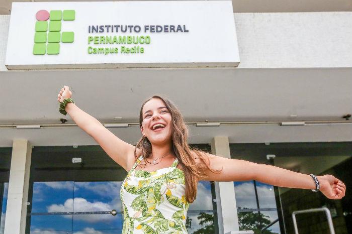 Rebeca Leal, 14, conquistou o primeiro lugar geral com média 94,4. (Foto: Leandro de Santana/Esp.DP)