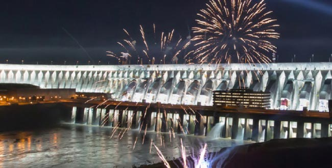 Opulência: Segunda maior do mundo, usina é mola-mestra para a geração de energia no Brasil (Itaipu/divulgação)