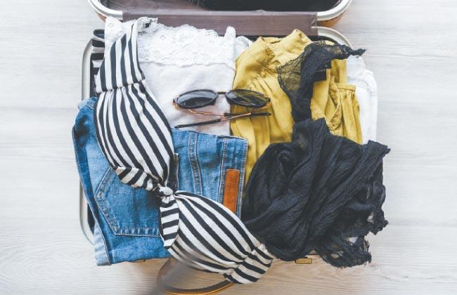Mala direta: Serviço de delivery entrega roupas  para que cliente possa selecionar as peças em casa (Freepik Divulgação)