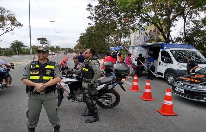 Cerca de 15 equipes atuam nas vias que levam ao Litoral do estado.   (Crédito: Jussania Maria/SES Divulgação)