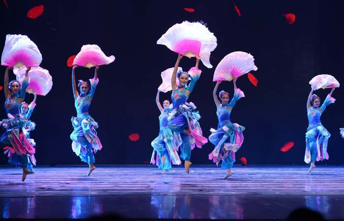 A performance conta com 25 artistas chineses. (Foto: Divulgação)
