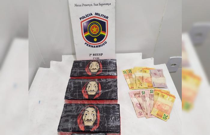 Cocaína estilizada teria sido repassada de um fornecedor de Salvador. (Foto: Divulgação/PMPE.)
