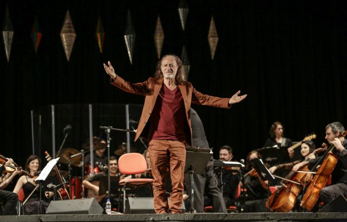 Alceu Valenca e Orquestra Ouro Preto apresentando Valencianas II no Parque Dona Lindu, em 27 de outubro de 2019. (Foto: Paulo Paiva/DP Foto)