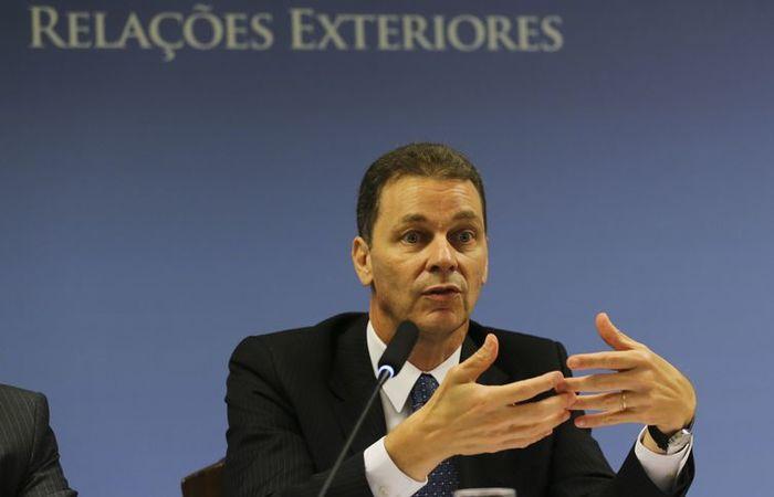 Secretário de Negociações Bilaterais na Ásia, Pacífico e Rússia, Reinaldo José de Almeida Salgado, fala à imprensa.  (Foto: José Cruz/Agência Brasil)