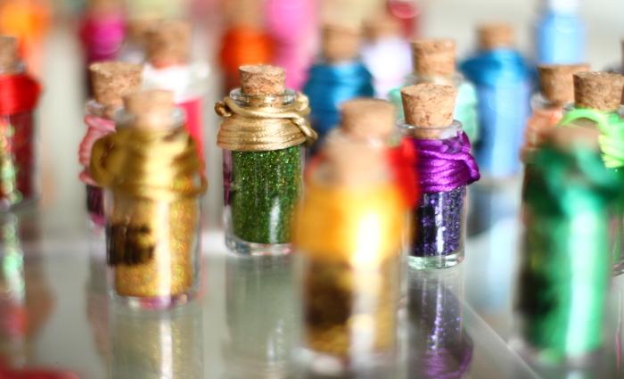 Marca apresenta 40 novos tipos de glitter, somando mais de 170 opções. (Foto: Peu Ricardo/DP)