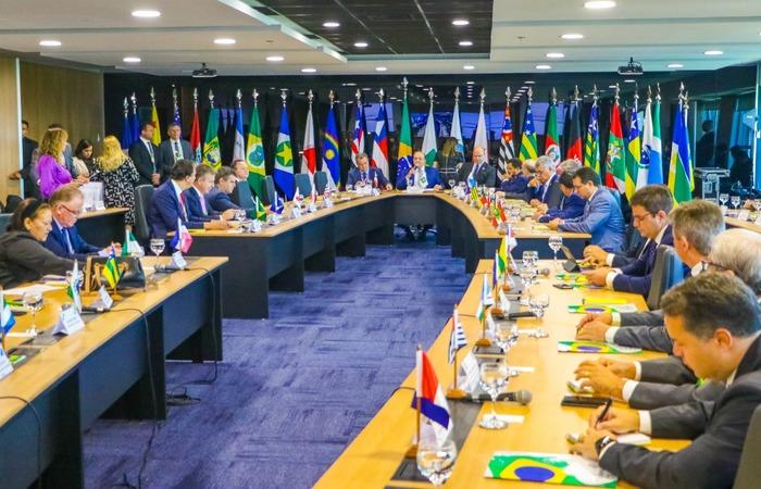 Em Brasília, 23 estados participam da reunião do Fórum de Governadores do  Brasil   Política: Diario de Pernambuco