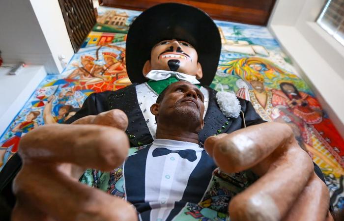 De carregador de trouxa de roupa a manipulador do gigante mais famoso.  (Foto: Leandro de Santana/Esp.DP)
