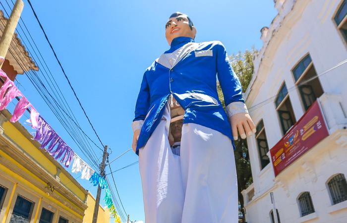 Carlos carregou por 25 anos o Gigante John Travolta.  (Foto: Leandro de Santana/Esp.DP)