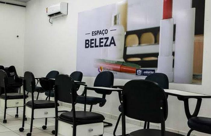 Aulas serão realizadas na Sala da Mulher Empreendedora, no Espaço Cidadania, Mercado das Mangueiras, Prazeres. (Foto: Chico Bezerra/PJG)