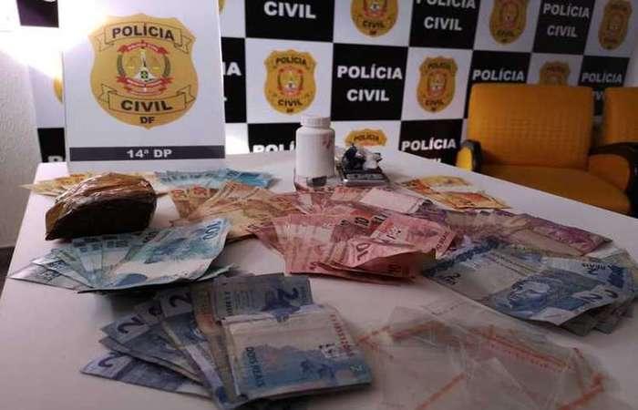 Suspeito foi preso com maconha, dinheiro em espécie e uma balança de precisão (Foto: PDCF/Divulgação)