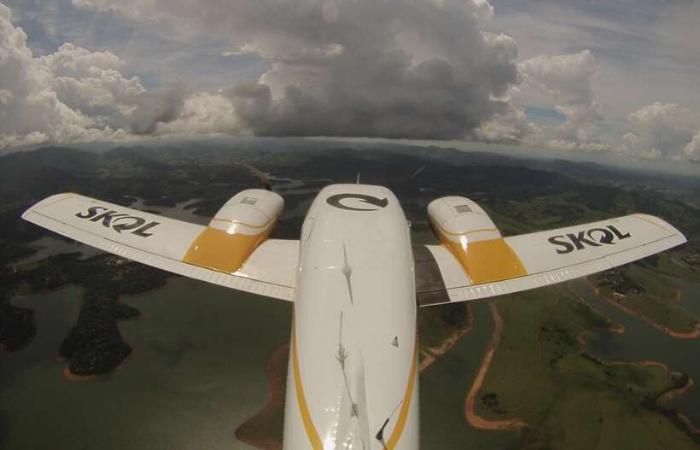 """O avião vai """"bombardear"""" o interior de nuvens com gotículas de água de tamanho controlado.  (Foto: Divulgação )"""