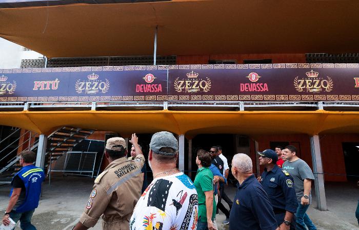 Estruturas carnavalescas foram fiscalizadas ao longo da última semana pelas forças de segurança pública. (Foto: Tarciso Augusto/Esp. DP.)